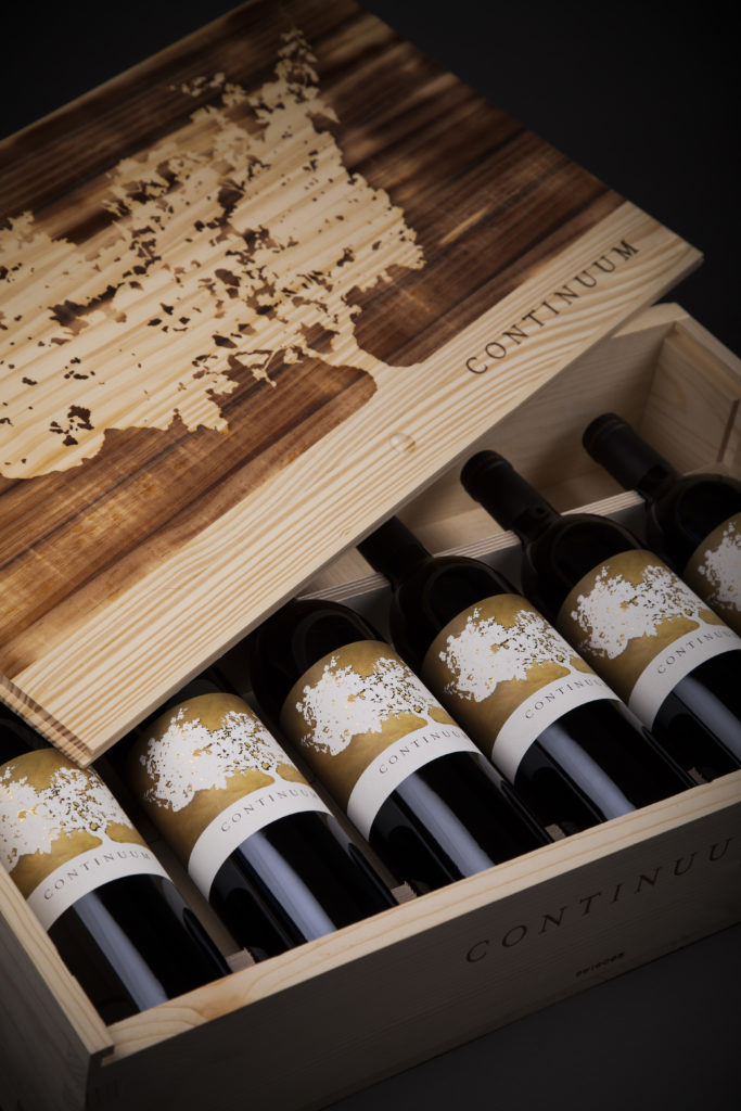 Continuum Estate, Winery, Wijngaard, Vineyard, druiven, grapes, Tim & Marcia Mondavi, Napa Valley, Sage Mountain, Photo of Continuum Estate wijnfles, bottle, wine