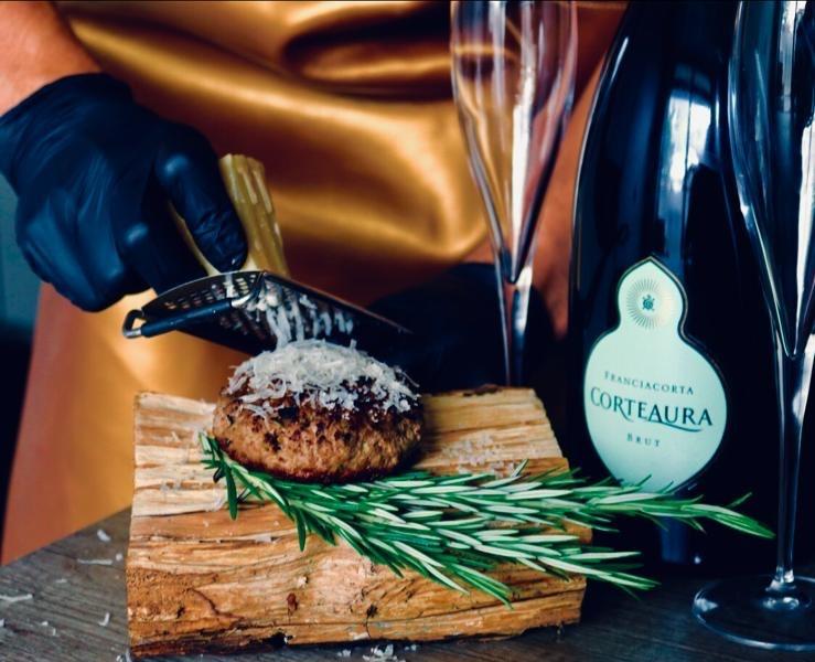 Corte Aura Franciacorta Burt DOCG, foto: Creative Butcher. flesfoto, productfoto, contentfoto