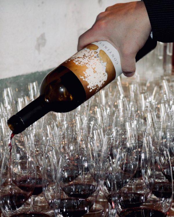 Continuum Estate, Wijnglazen, fles, wijnfles