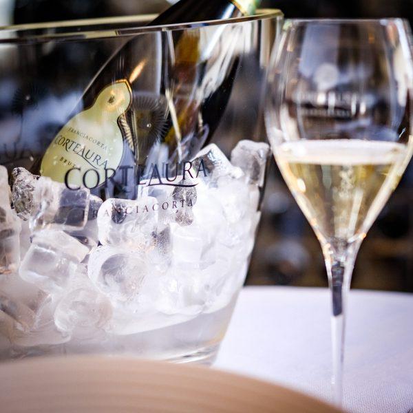 Corte Aura Brut Franciacorta DOCG, wijnfles, productfoto, contentfoto